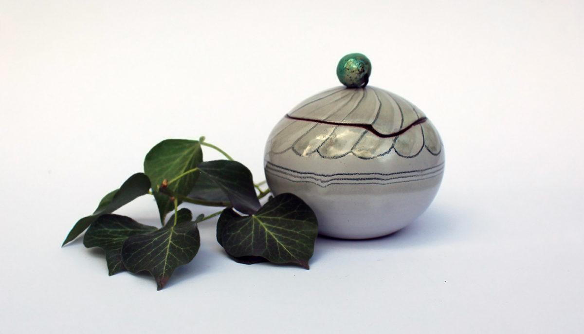Dose mit Deckel Fayencetechnik Keramik